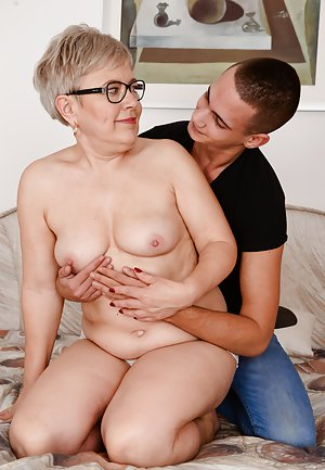Free Mom and Boy Pictures
