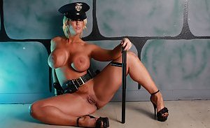 Free Cop Pictures